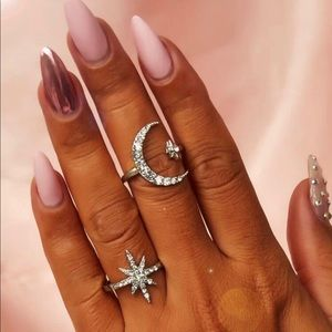 Silver star and moon ring set